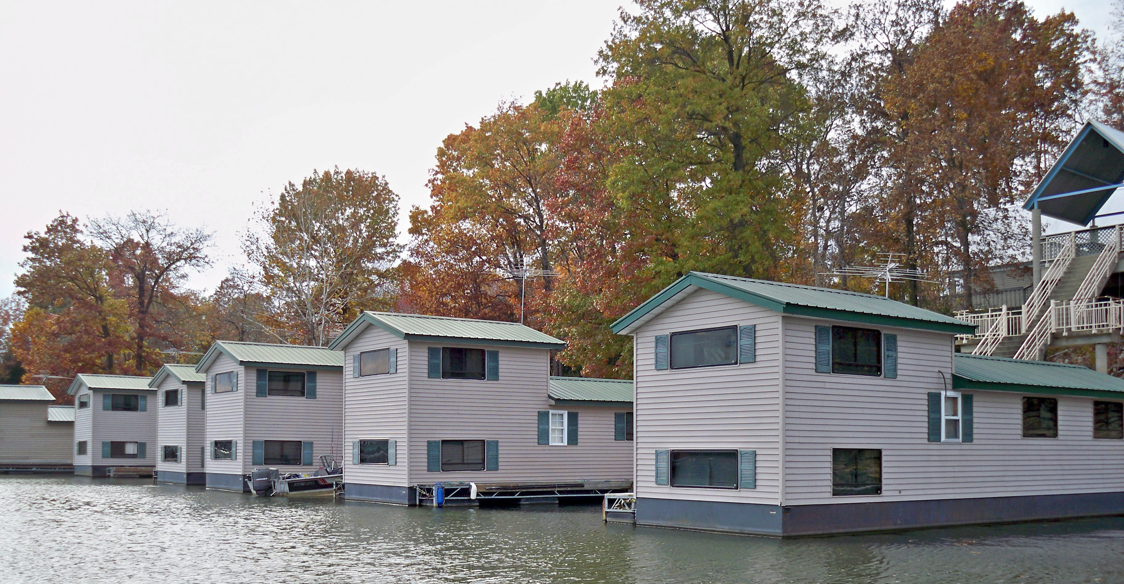 The Floating Cabins At Patoka Lake Marina Fisherdee